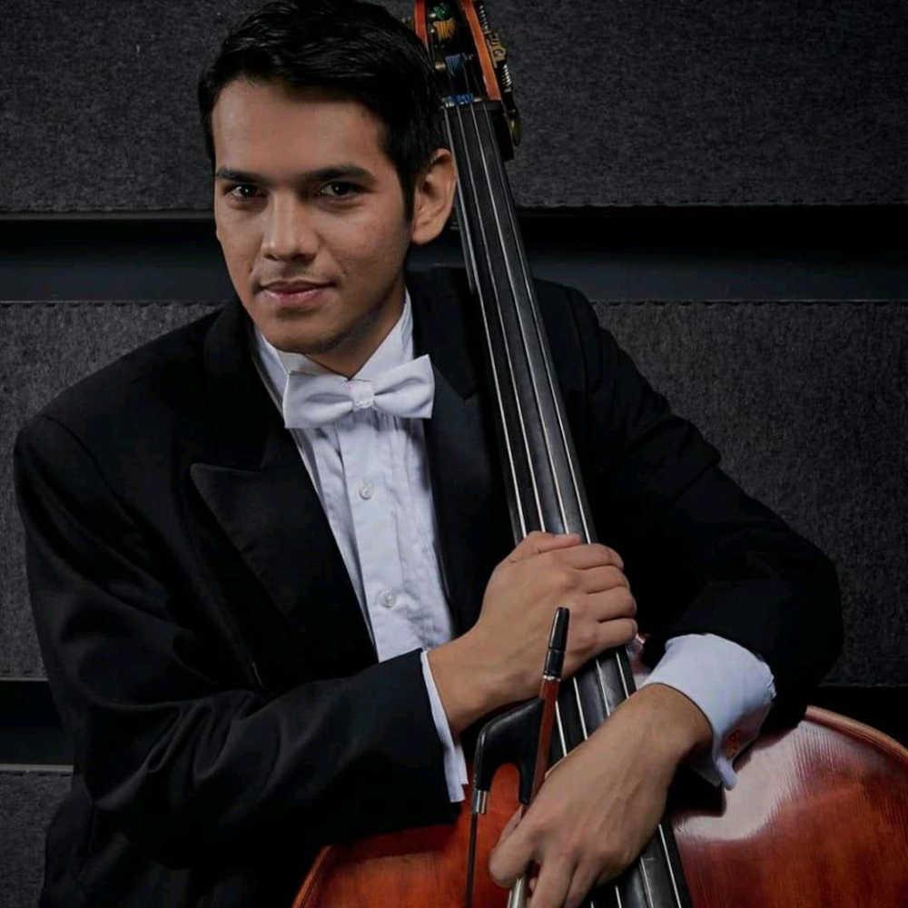 Joshua Chávez (Double bass)
