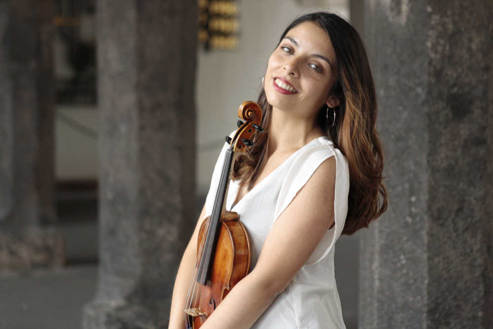 You are currently viewing Kathya Contreras (Violin)